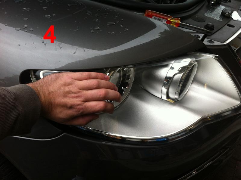 How To Change A Headlight Bulb On A Touareg 2  2007