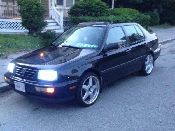 Showcase cover image for Jonny Zepeda's 1997 Volkswagen Jetta